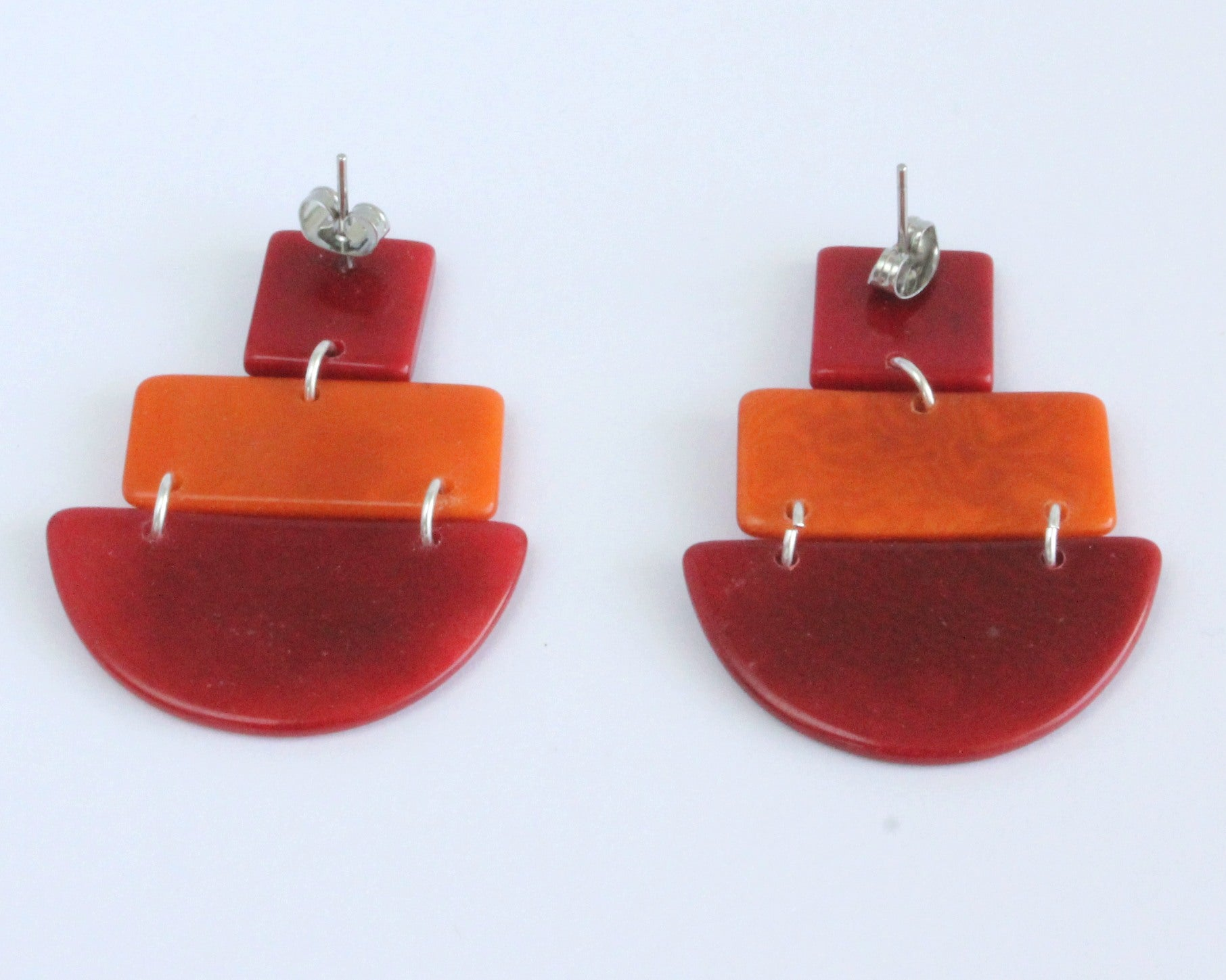 Handmade earring, sustainable, tagua, push back, red, back