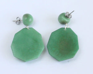 Handmade earring, push back, tagua, colourful, green back