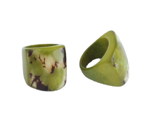 Handmade ring, tagua, US size 6 or 7, olive, side