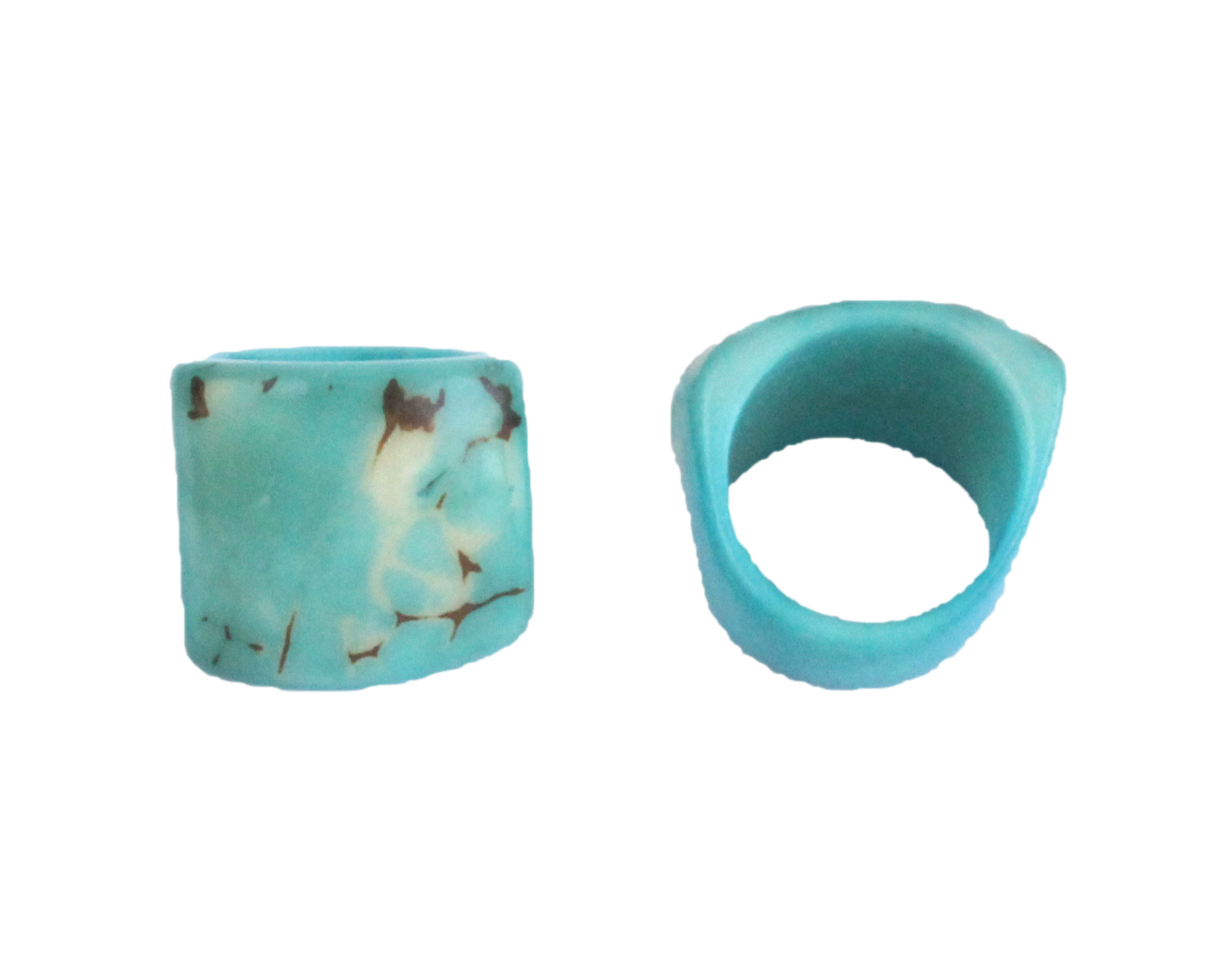 Handmade ring, tagua, US size 6 or 7, turquoise, back