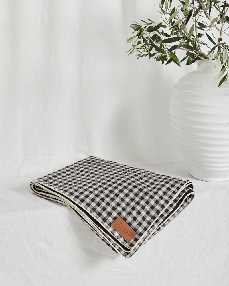 Load image into Gallery viewer, Picnic Rug - Le weekend
