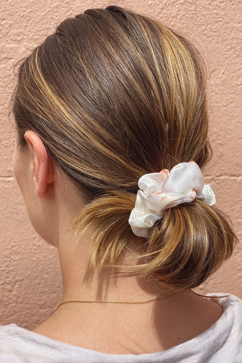 Silk Scrunchies in Porcelain