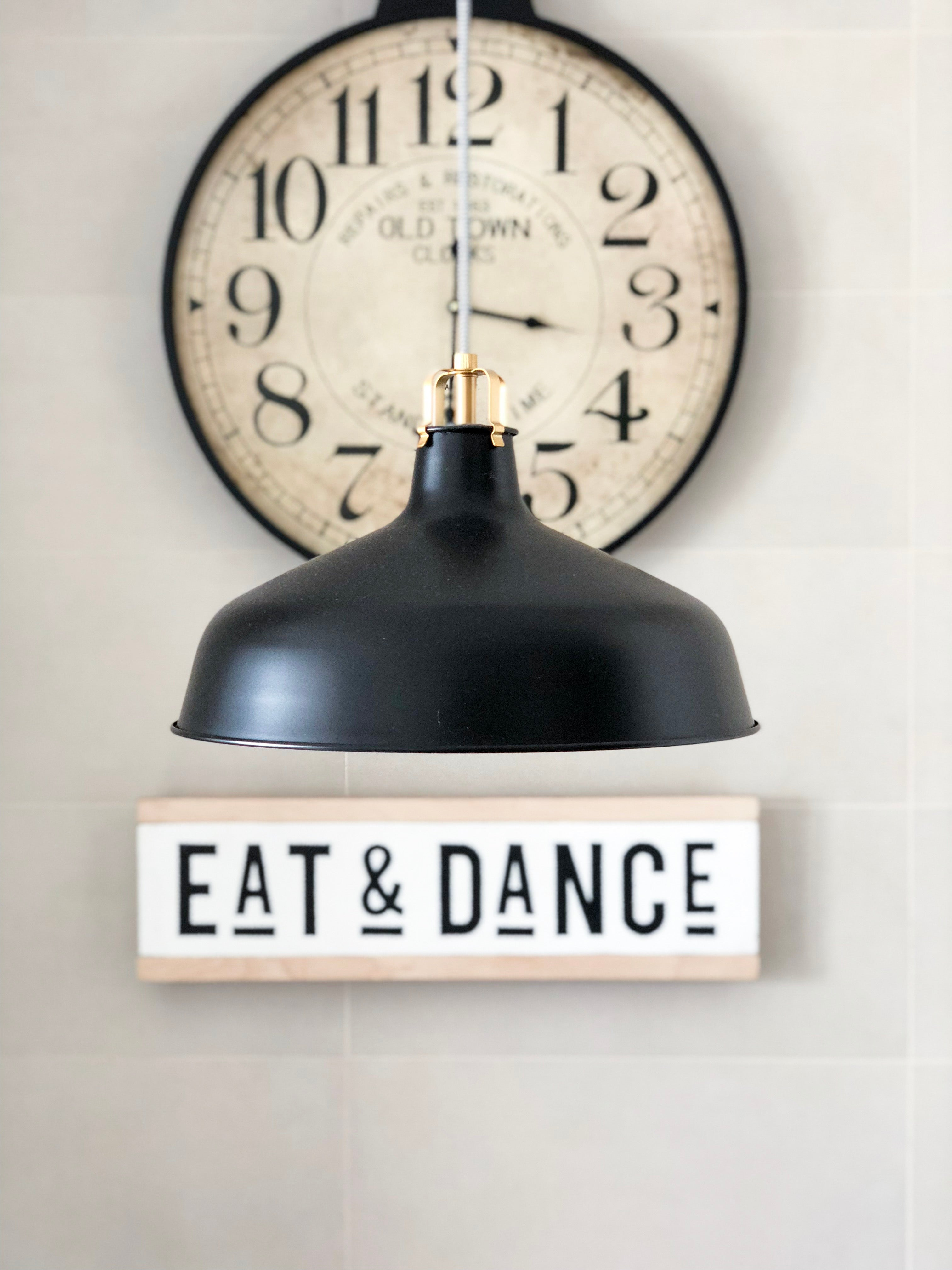 CARTEL ESTAMPADO A MANO EAT & DANCE NORDIC