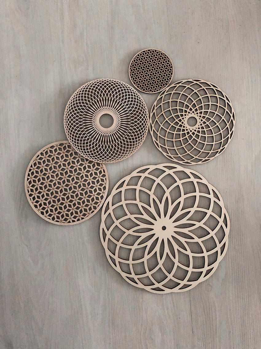 PLATOS DECORATIVOS SALVAMANTEL GEOMETRICO ALBER MAKER