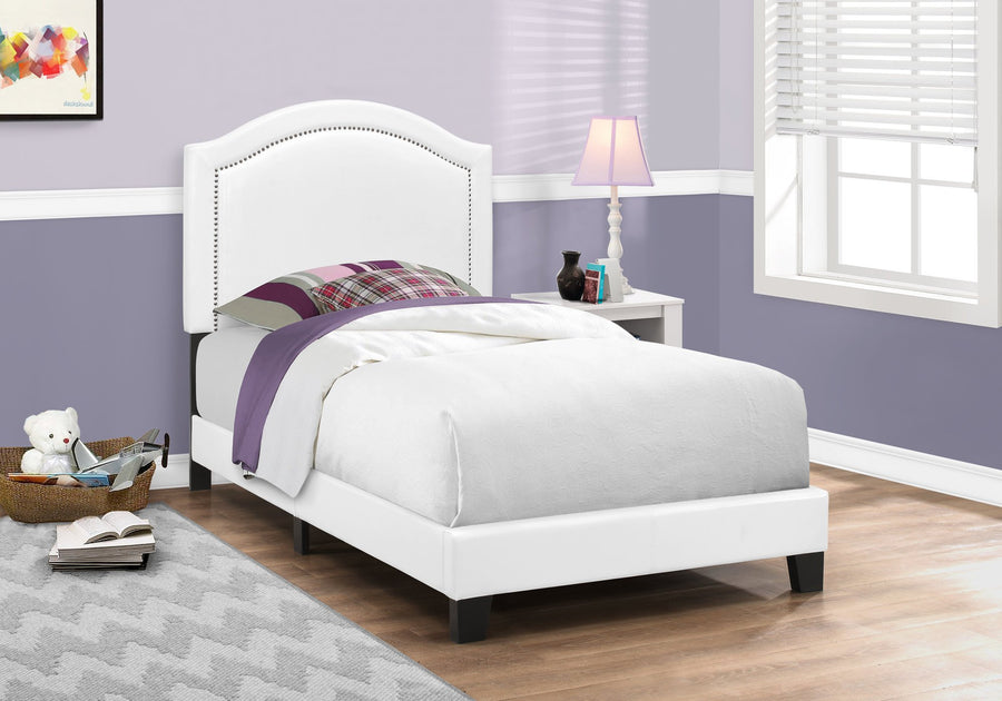 BED - TWIN SIZE / WHITE LEATHER-LOOK WITH CHROME TRIM image