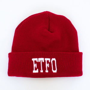 A red toque with the ETFO letters