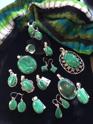 GEMSTONE MAGIC & MEANING: MALACHITE