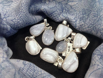 GEMSTONE MAGIC & MEANING: BLUE LACE AGATE