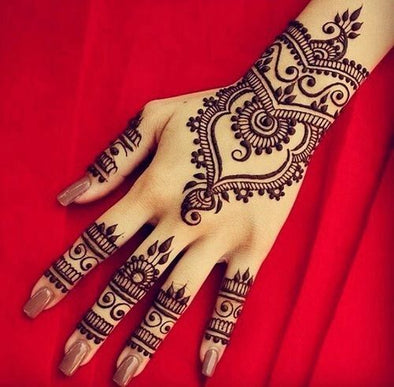 Traditional Techniques: The Art of Henna