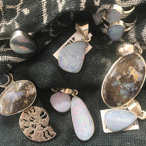 GEMSTONE MAGIC & MEANING: OPAL