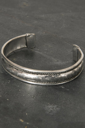 White Metal Cuff - Mexicali Blues