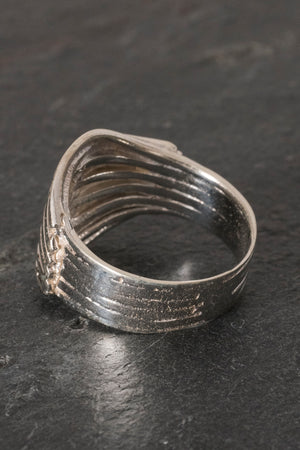stacked-waves-ring