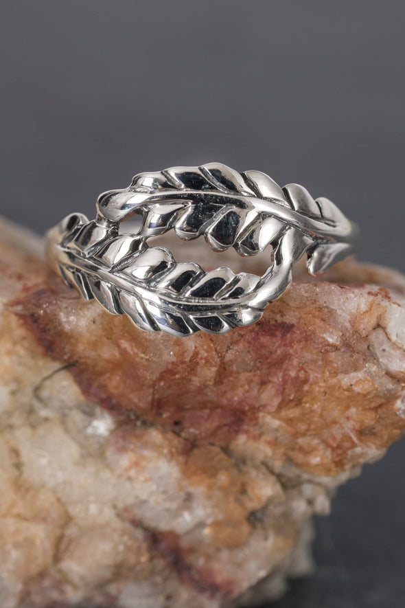 sterling-feathers-ring