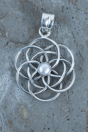 Large Celtic Knot Pendant - Mexicali Blues