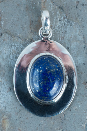 Oval Cab Pendant In Flat Setting - Mexicali Blues