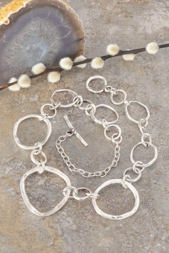 Pounded Zamak Linked Circles Necklace