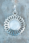 Round Cab In Sunflower Setting Pendant