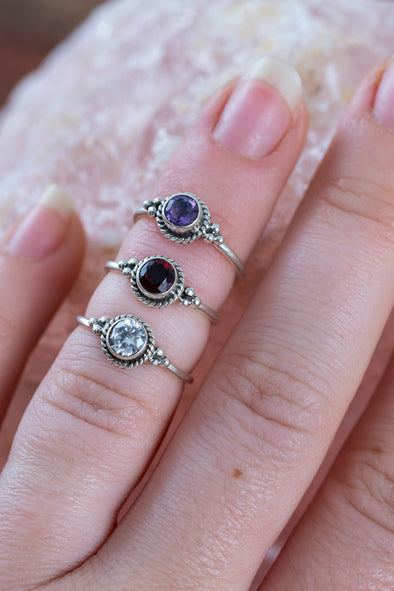 Round Faceted Gem Midi Ring