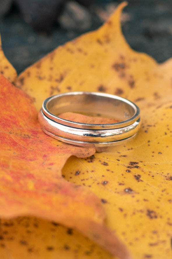 Simple Sterling Spinner Ring