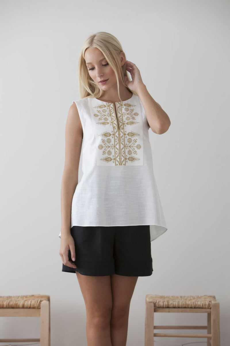 Dorothea Embr Sleeveless Top