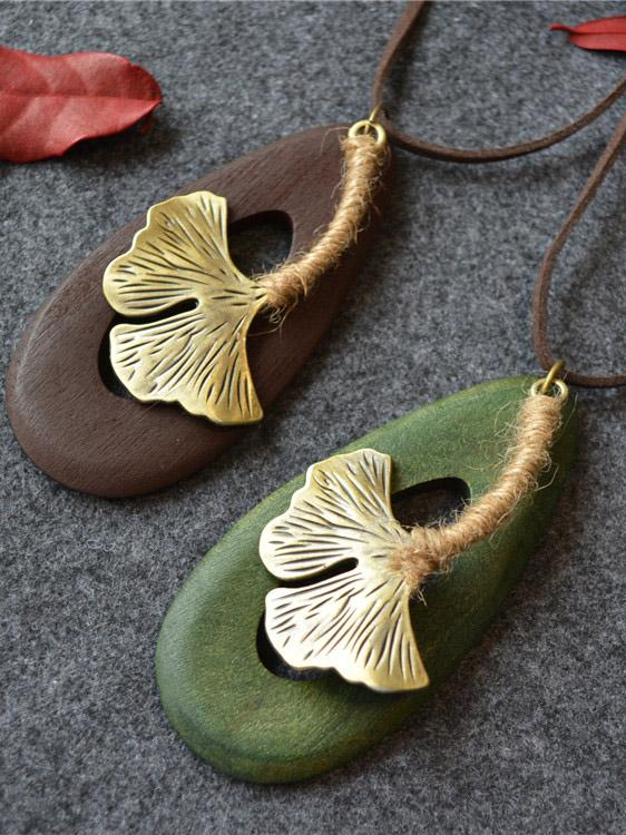 BIG GINKGO LEAVE NECKLACES