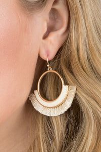 Thread Fan Tassel Earring (White)