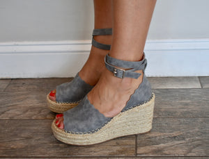 Grey Scalloped Stappy Esapadrille Wedges