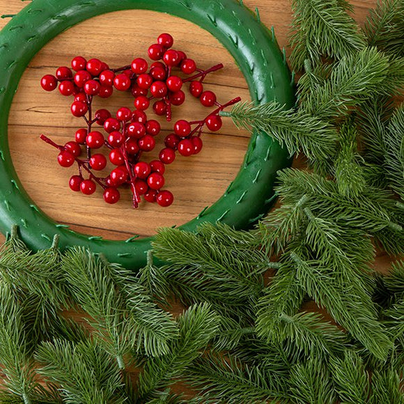 Forever Flowerz Festive Wreath making kit with Pine and Berries