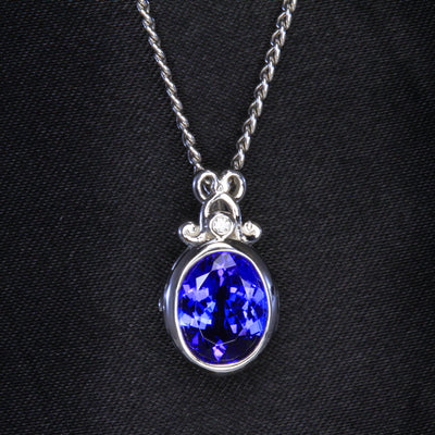 Tanzanite Pendant 2.05 Carat in 14kt White Gold