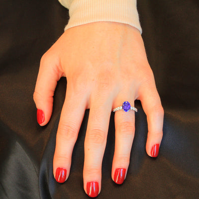 14K White Gold Oval Tanzanite and Diamond Ring 2.62 Carats