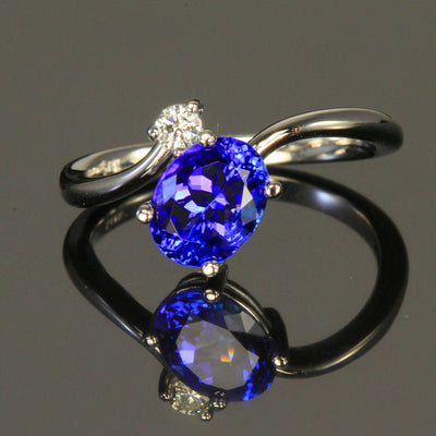 14K White Gold Oval Tanzanite and Diamond Ring 2.03 Carats