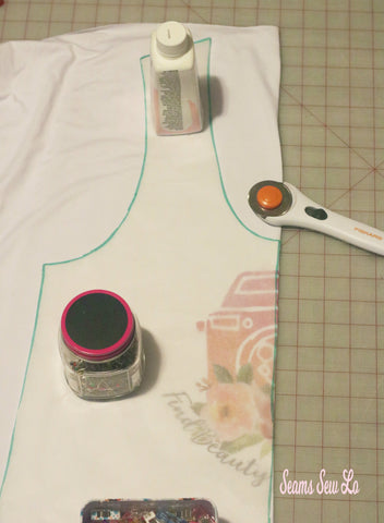 How to center a panel when sewing
