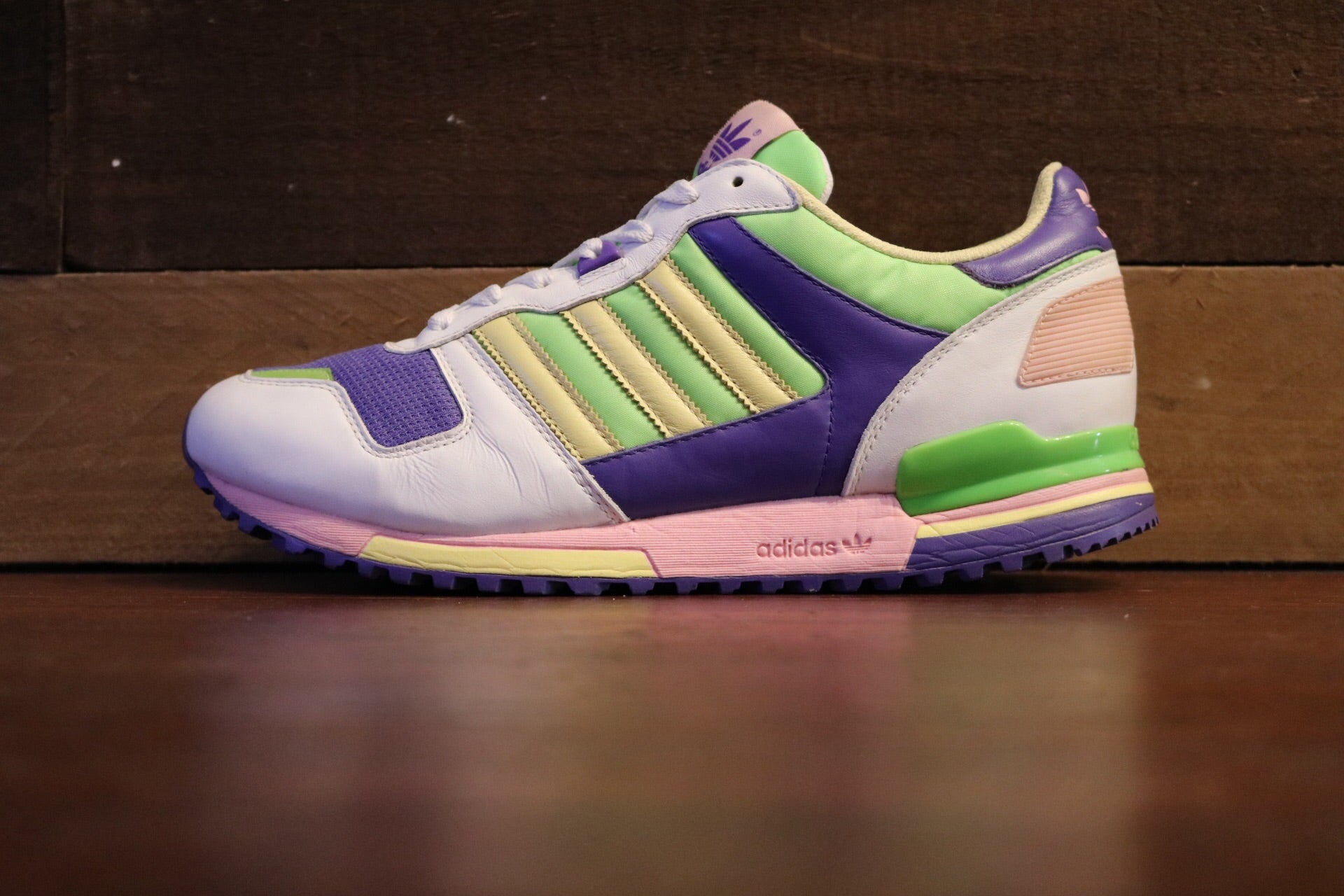 Adidas ZX700 Easter*