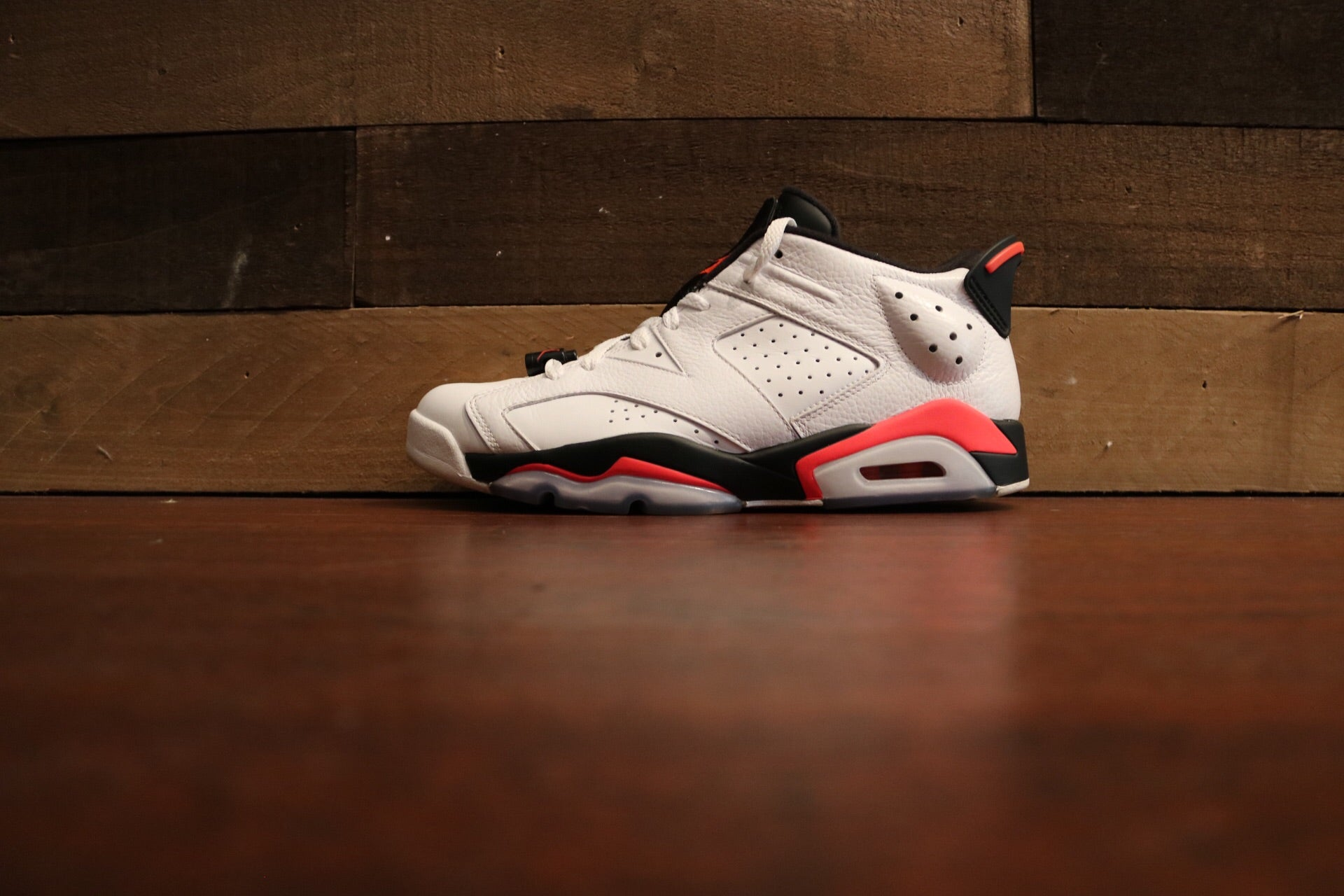 4c905d760fb9b6 Jordan 6 Retro Low Infrared White (u)