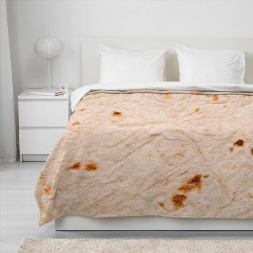 Sweet And Rosy™ 5ft Round Burrito Blanket