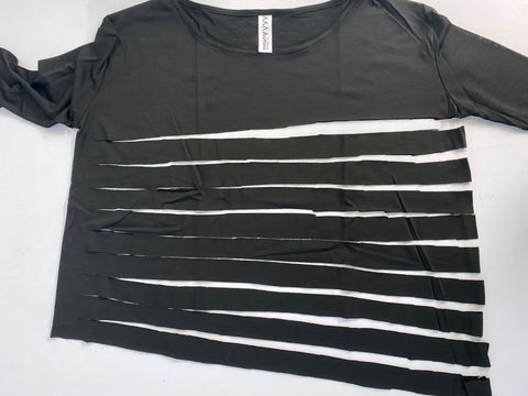 Cut the body of the t-shirt into strips to turn it into yarn for crocheting