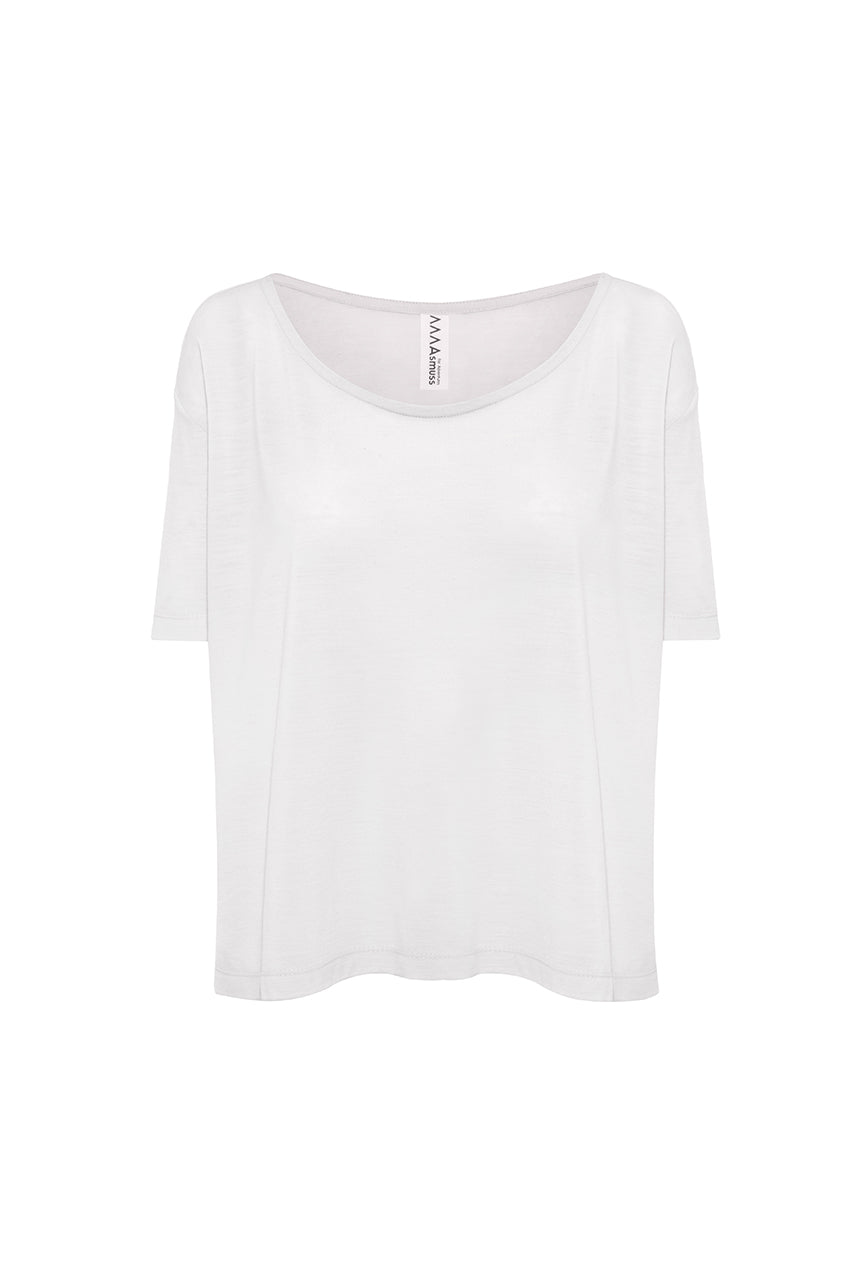 Asmuss Aline T-shirt in White.  Luxurious and technically innovative fabric to take you on any adventure or travels