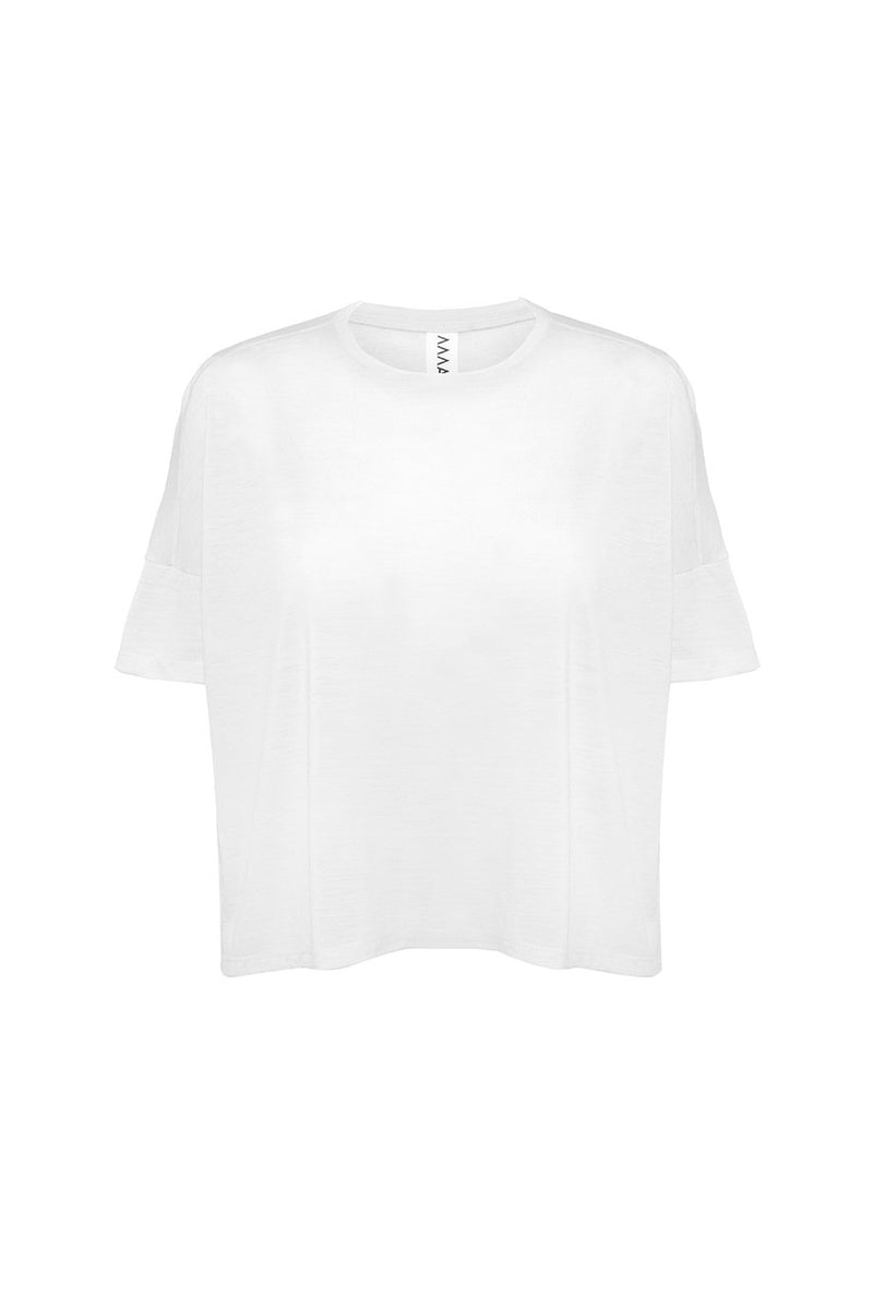The Asmuss Boxy T-shirt in white.  One of the best wool T-shirts for travelling
