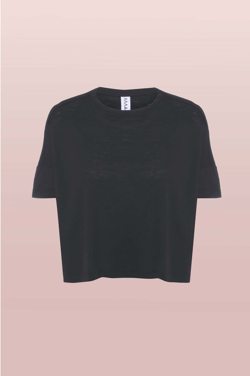 Front view of Asmuss Boxy Cropped T-shirt in Black. Innovative temperature regulating 37.5 Technology helps keep you feeling dry and comfortable all day long. It is a perfect elevated t-shirt with clever detailing to add to its style.