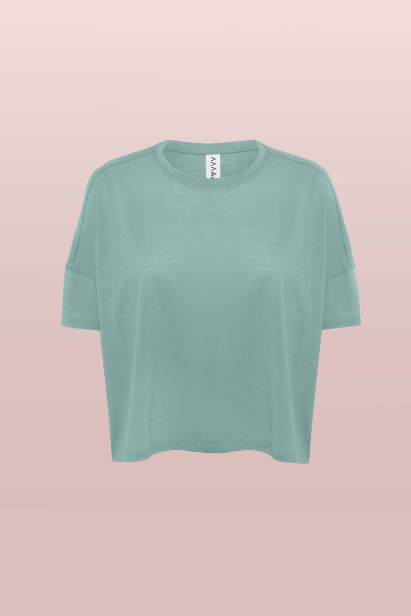 Front view of the Asmuss Boxy Cropped T-shirt. Using innovative fabric which keeps you comfortable all day long using 37.5 technology, perfect for your everyday adventures. The detailing elevates this t-shirt to make it truely stylish.