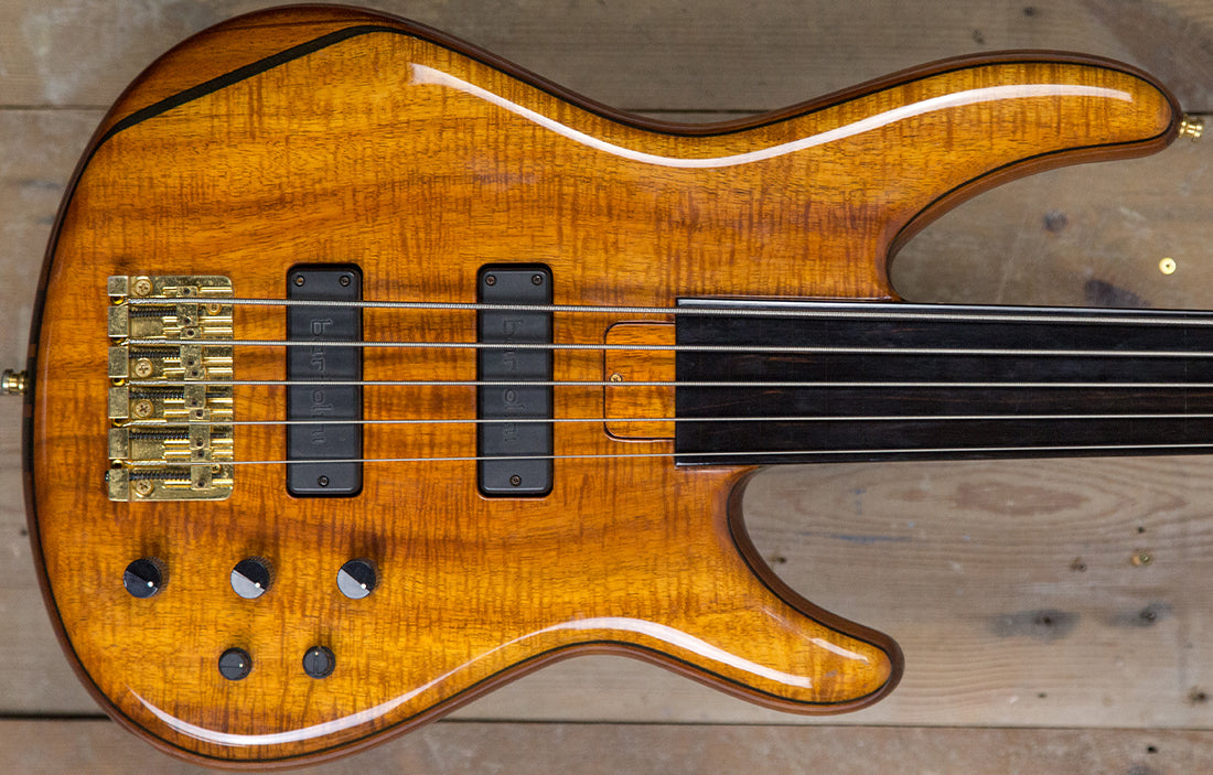 "Moon MBC 5 Fretless ""15th Anniversary"""