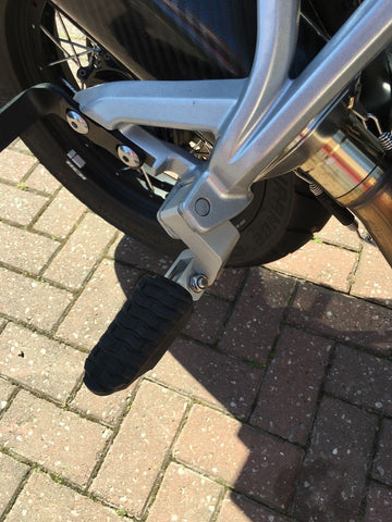 triumph tiger 800 pannier fitting instructions