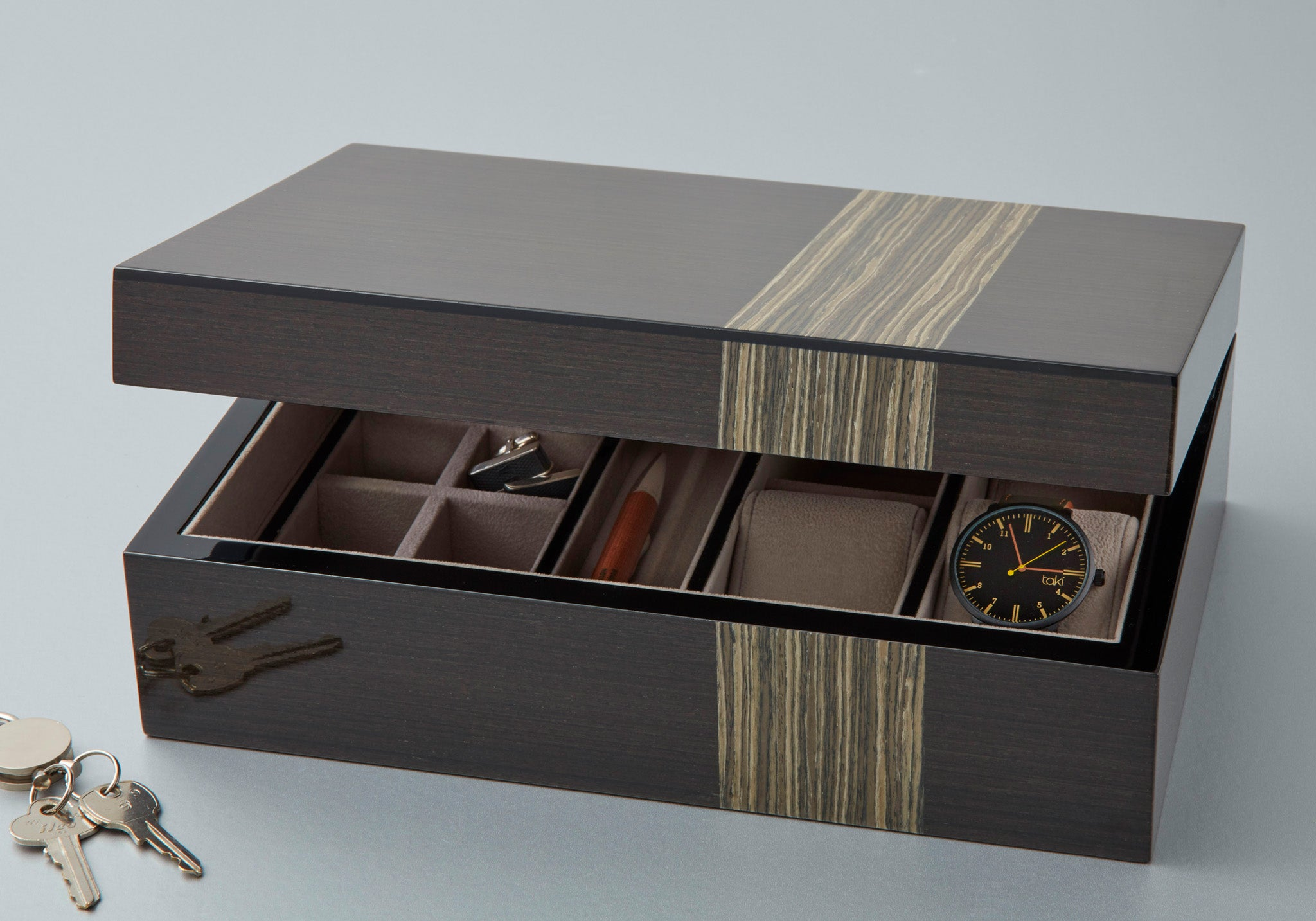 lacquered valet box