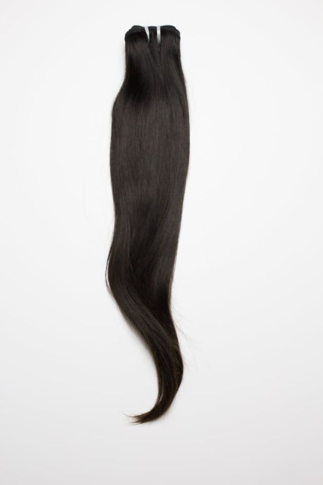 Raw Indian / Mink Straight Straine Estensioni di Capelli Umani da Soie Virgin Hair Extensions In Atlanta, Georgia. Spedizione o mandemu in ogni locu. Chjamate 404-669-6832 o visitate https://SoieHair.com