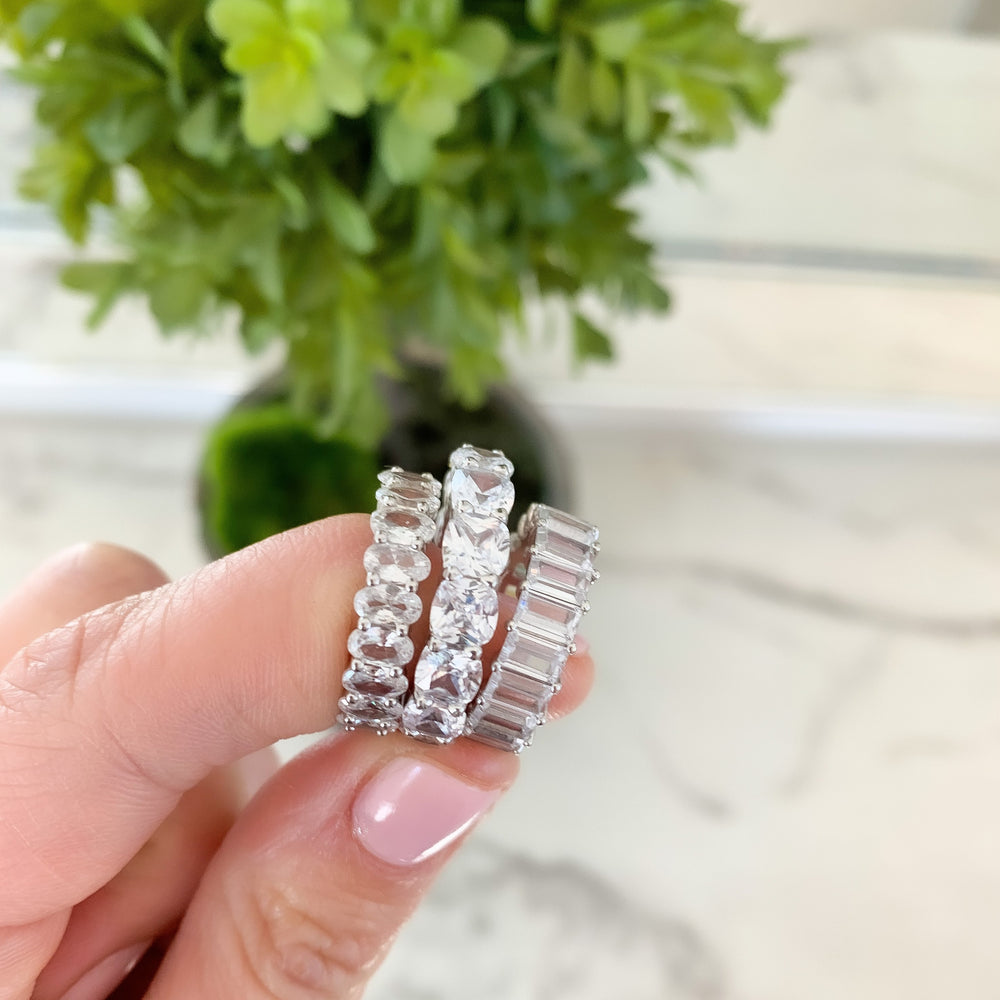 Load image into Gallery viewer, Cushion Eternity Band