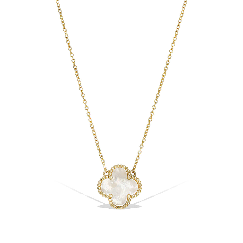 White pearl clover necklace in gold