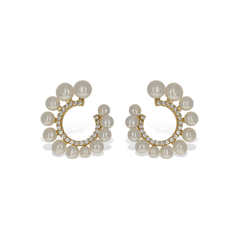 Gold Curved graduated white pearl stud earrings