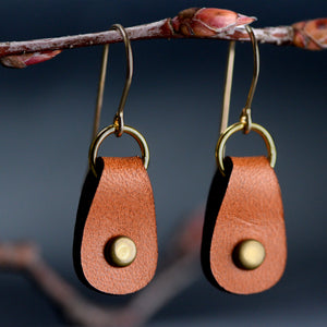 Load image into Gallery viewer, Small Teardrop Leather Earrings