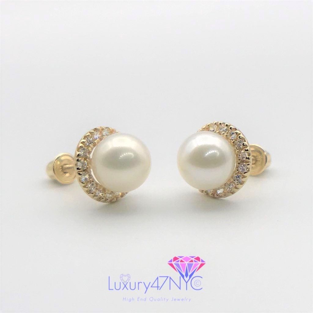 Brilliant Diamond and Real Freshwater Pearl Round Studs Earrings 14K Yellow Gold
