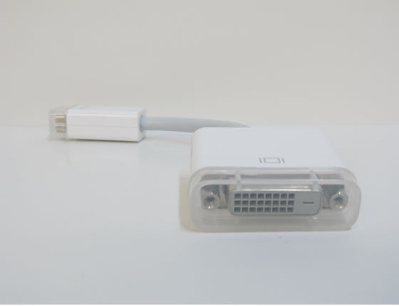 M9321G/B Mini DVI (Male) to DVI-D (Female) Cable Converter Adapter